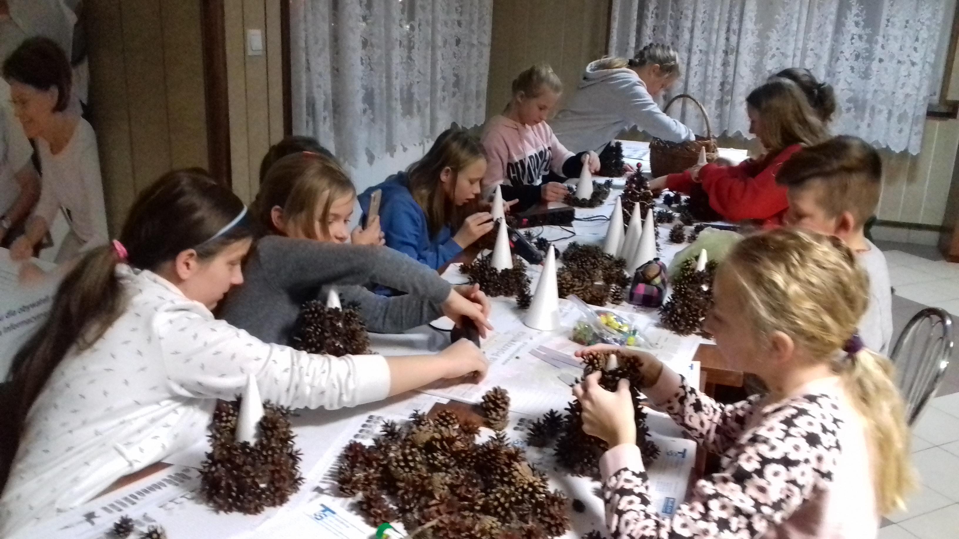 Bożonarodzeniowe warsztaty z dziećmi